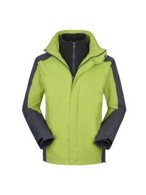 果绿色冲锋衣